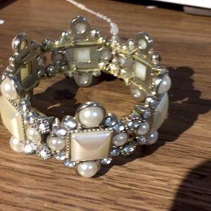 Ardene fashion bracelet new with tag silver white